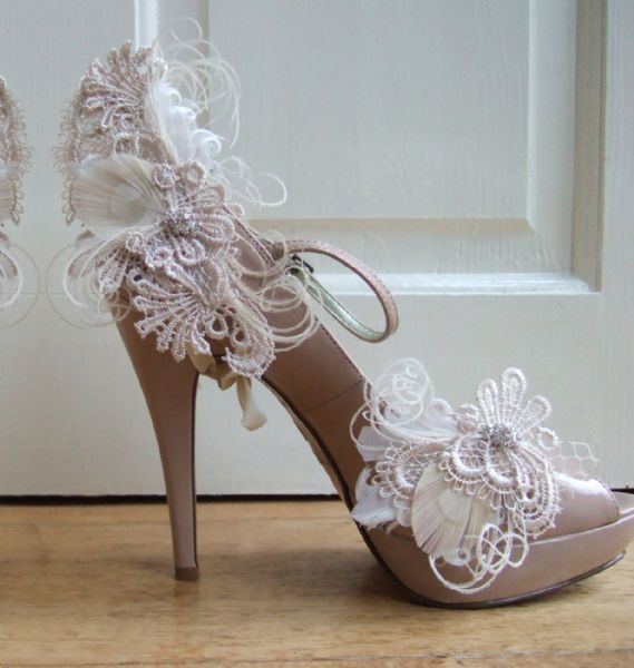 "Cream White Bridal Peacock Feather Guipure Lace HEEL WRAP + SHOE CLIPS ""Zia"" (SET) Bride"